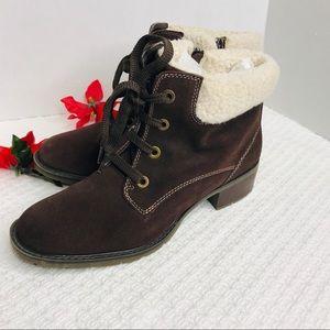 Sporto brown waterproof ankle booties size 10M
